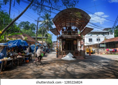 Cochin, Kerala, India : December 25, 2018 : Little Hindu temple in the center of the old of Cochin city with salt offert in front of the door on december 25, 2018, Cochin, Kerala, India