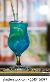 cocktai blue lagoon