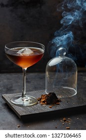 Cocktail infused with smoke
