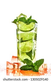 Cocktail with lime, ice and mint