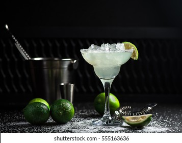 Cocktail, mixology