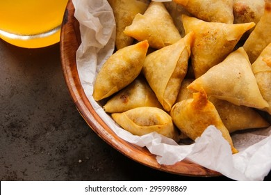 Cocktail samosas - Indian deep fried snack
