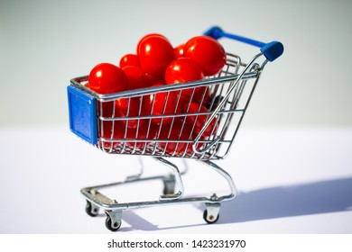 Cocktail tomatoes in the shopping cart