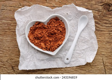 cocoa powder in shape of heart