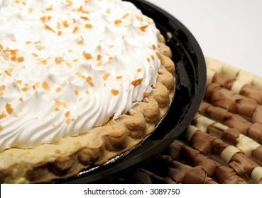 Coconut cream pie on straw mat
