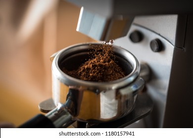 Coffe grinder in use