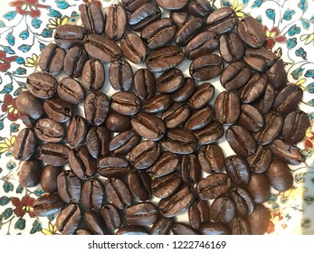Coffee bean from Hawai before blended and press to smell and slurp