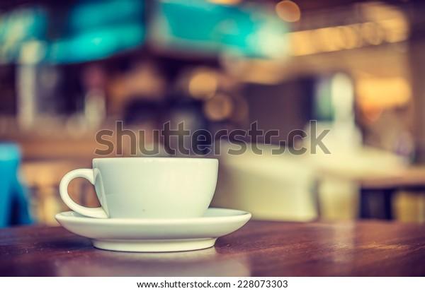 喫茶店のコーヒーカップ – ビンテージスタイルの効果画像