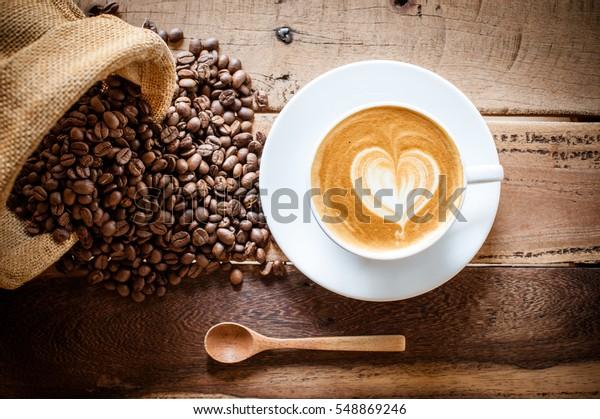 咖啡拿铁咖啡与咖啡豆