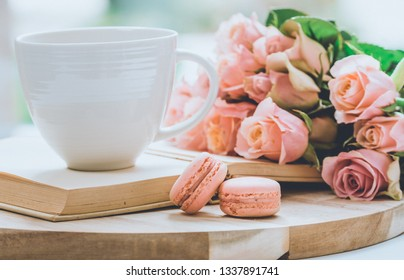 Coffee mug with pink macarons