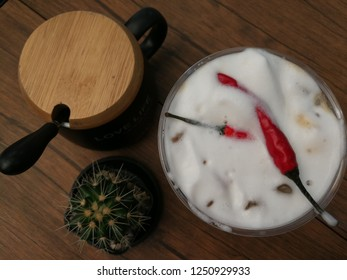 Coffer with chili