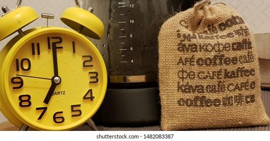 Cofffee, alarm clock and coffee machine