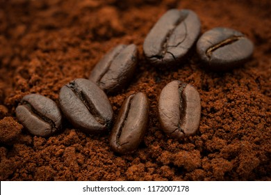 Cofffee beans on agglomerated instant coffee