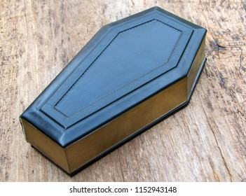 Coffin leather journal, a book cover made of leather and wood in the form of a coffin