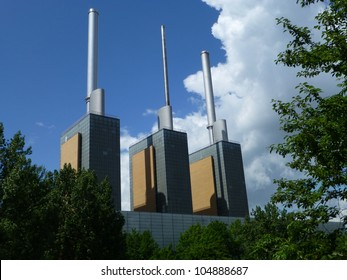 The cogeneration plant fueled by natural gas is a thermal power station in the suburb of Linden in Hannover-Nord, Lower Saxony ; Germany: It has three generating units with a net power of 113 MW