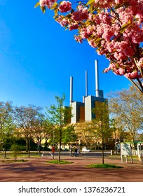 The cogeneration plant fueled by natural gas Linden is a thermal power station in the suburb of Linden in Hannover-Nord, Germany  which is operated by Stadtwerke Hannover. It has three generating unit
