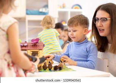 cognitive lesson for kids group in kindergarten