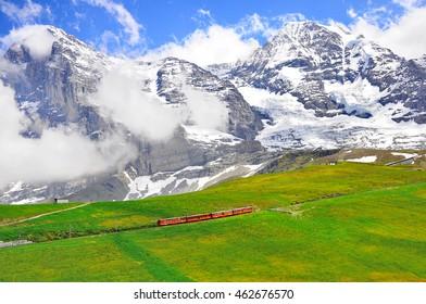 Cogwheel train from Jungfraujoch station moves to Kleine Scheidegg.