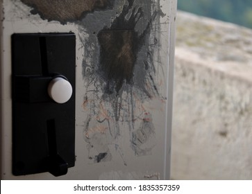 if the coin-operated vending machine still loses coins, it needs to be reduced in weight by scratching on the side of a metal device, telephone, chewing gum machine, condoms, binoculars, tickets