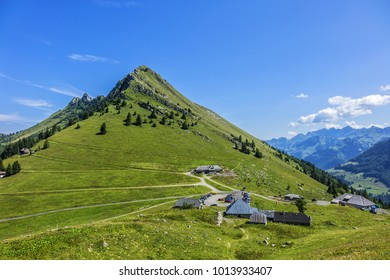 The Col de Jaman (1,512 m) is a mountain pass in the western Swiss Alps. Canton of Vaud, Switzerland. Small settlement.