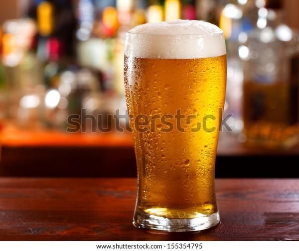 verre froid de bière