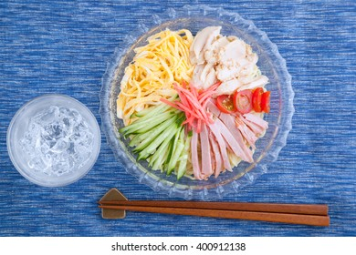 cold noodle, chilled Chinese noodles, glass, glass dish, overlook, bird's eye view