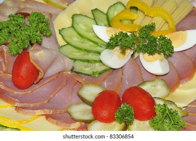 Cold plate with ham and cheese.