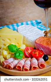 Cold plate with prosciutto and cheese