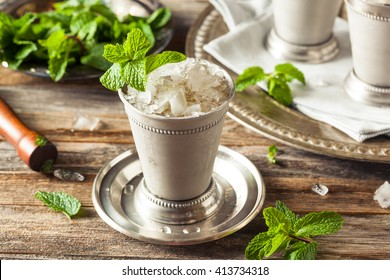 Cold Refreshing Classic Mint Julep with Mint and Bourbon