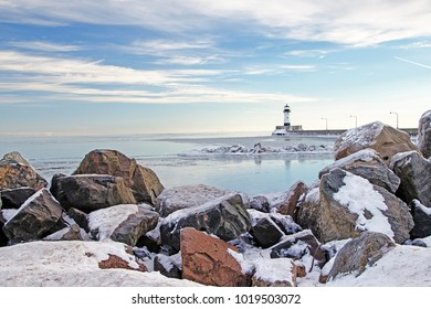 Cold, rocky Lake Superior lighthouse view in Duluth