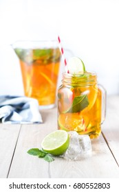 Cold tea with lime and mint
