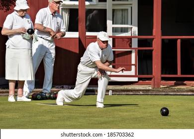 COLEMAN'S HATCH, SUSSEX/UK - JUNE 27 : Lawn bowls match at Colemans Hatch East Sussex on June 27, 2009. Unidentified people.