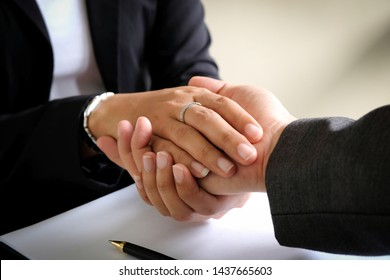 Collaborate with business partners to trust business partners, relationships to achieve trade and investment goals in the future.