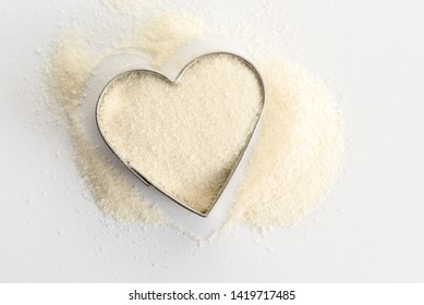 Collagen Peptides in a Heart Shape