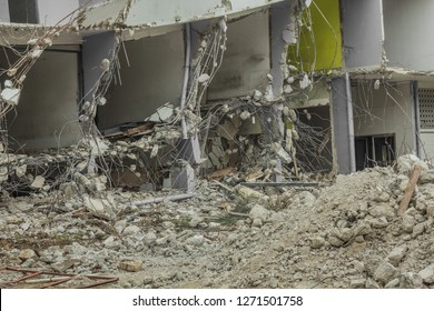 Collapsed building / failure structure