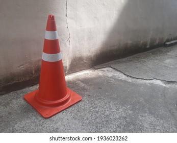 Collar cone, no parking mark