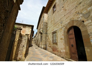 COLLE DI VAL D'ELSA, ITALY - 05/30/2018: Streets of Colle di Val d'Elsa on a sunny warm spring day.