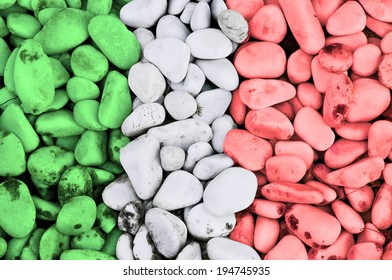 collection of stones with the colors of the Italian flag