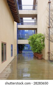 Collegiate courtyard building