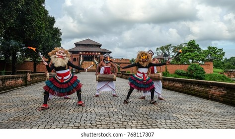Colombo, Sri Lanka - Sep 8, 2015. A dancing show at Buddhist temple in Colombo, Sri Lanka. Colombo is the financial centre of the island and a popular tourist destination.