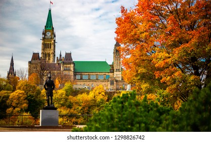 Colonel By Statue facing Canadian Parliament in the Fall