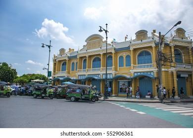 Colonial old building and Tuk Tuk parking near Wat Phra Kaew (the famous public temple) in Bangkok, Thailand : Bangkok, Thailand 17 June 2016
