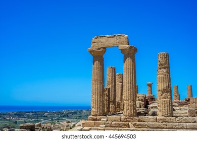Colonnade of Hera (Juno) temple in Agrigento. Sicily, Italy