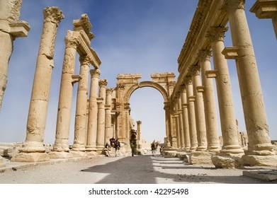 Colonnade in roman ruins of Palmyra, Syria