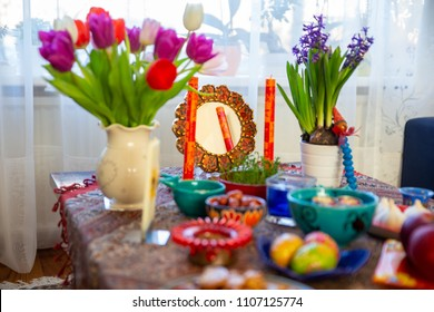 Color Image, Egg, Easter, Photography, Easter Egg, Green Color, Onion, Saffron, In A Row, Colors, Parsley, Spinach, Coloring, Red Cabbage, Pink Color, Arrangement, Group Of Objects, Springtime
