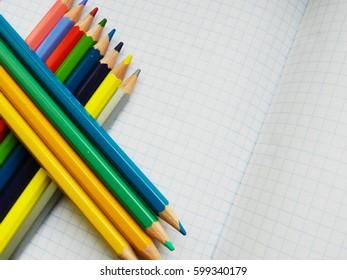 Color pencils lines