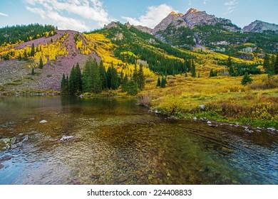Colorado Fall Scenery. Maroon Bells Lake. Aspen, Colorado, United States. Scenic Colorado.