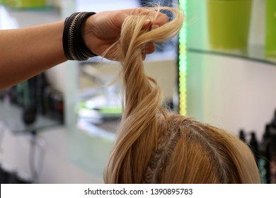 Coloration at the coiffeur salon