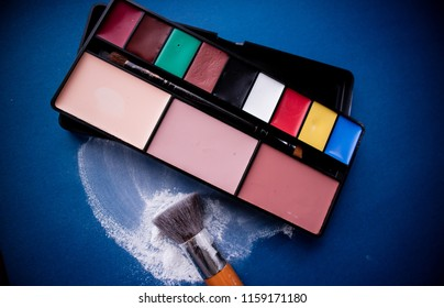 Colored grease-paint palette for professional make-up