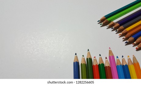 Colored pencils of various colors